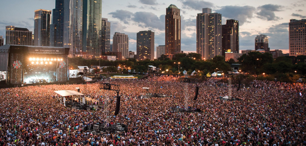 Ticketless, cashless Lollapalooza